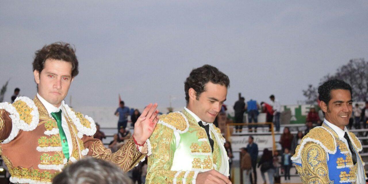 Garibay, Sánchez y Saldívar salieron a hombros