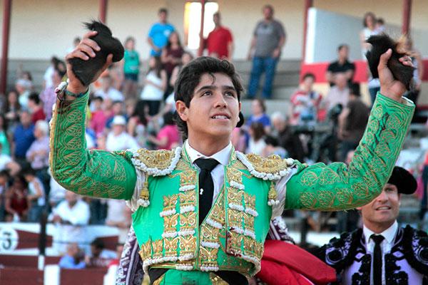 Más festejos para los toreros mexicanos en España