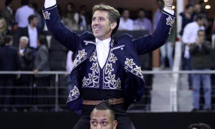 Hermoso de Mendoza sale a hombros en la Acrópolis