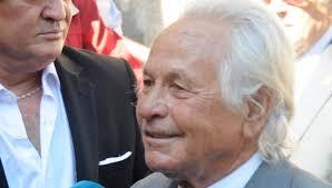 Muere  Palomo Linares