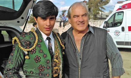 Guzmán apodera al novillero Emilio Saavedra