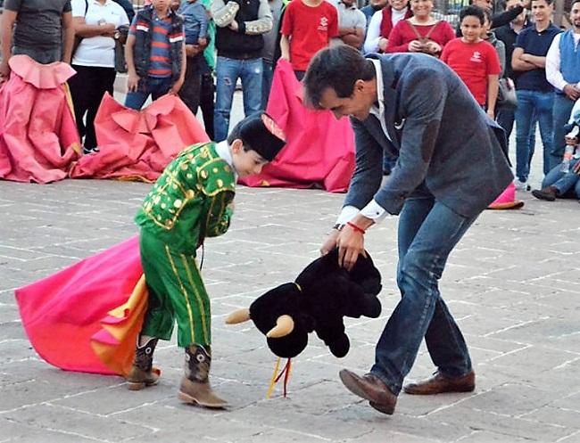 Arturo Macías impartirá clase práctica