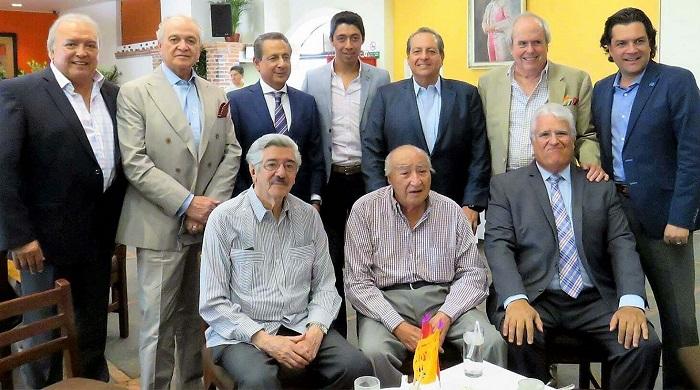 Pepe Arroyo agradece brindis a  Sergio Flores