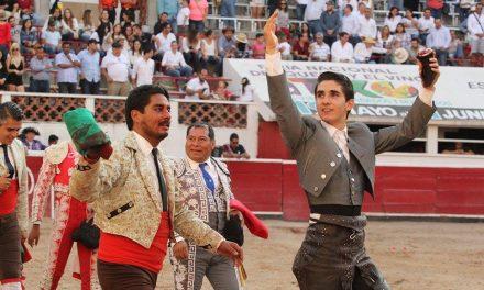 Santiago Zendejas pasea una oreja en Querétaro