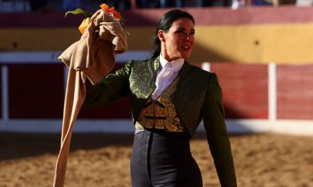 Tarde exitosa de Mónica Serrano en su inicio de campaña europea