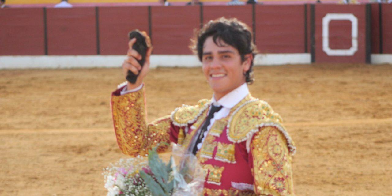 Sobresaliente debut del novillero Luis Manuel Castellanos en España