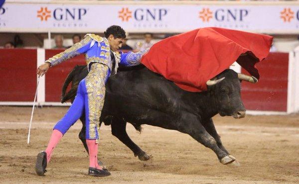 Brandon Campos sustituye a Ricardo Frausto en La Florecita
