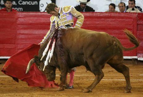 """""""El Payo"""" cortó solitaria oreja en Caxuxi"""