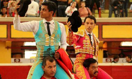Rivera y Barba salen a hombros en Teziutlán