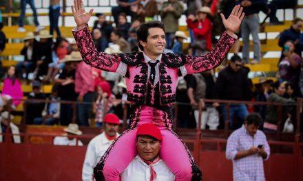 """El Chihuahua"" salió a hombros en San Agustín Tlaxiaca"