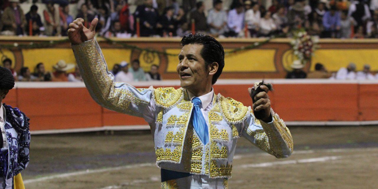 «El Zapata» y Flores, orejeados