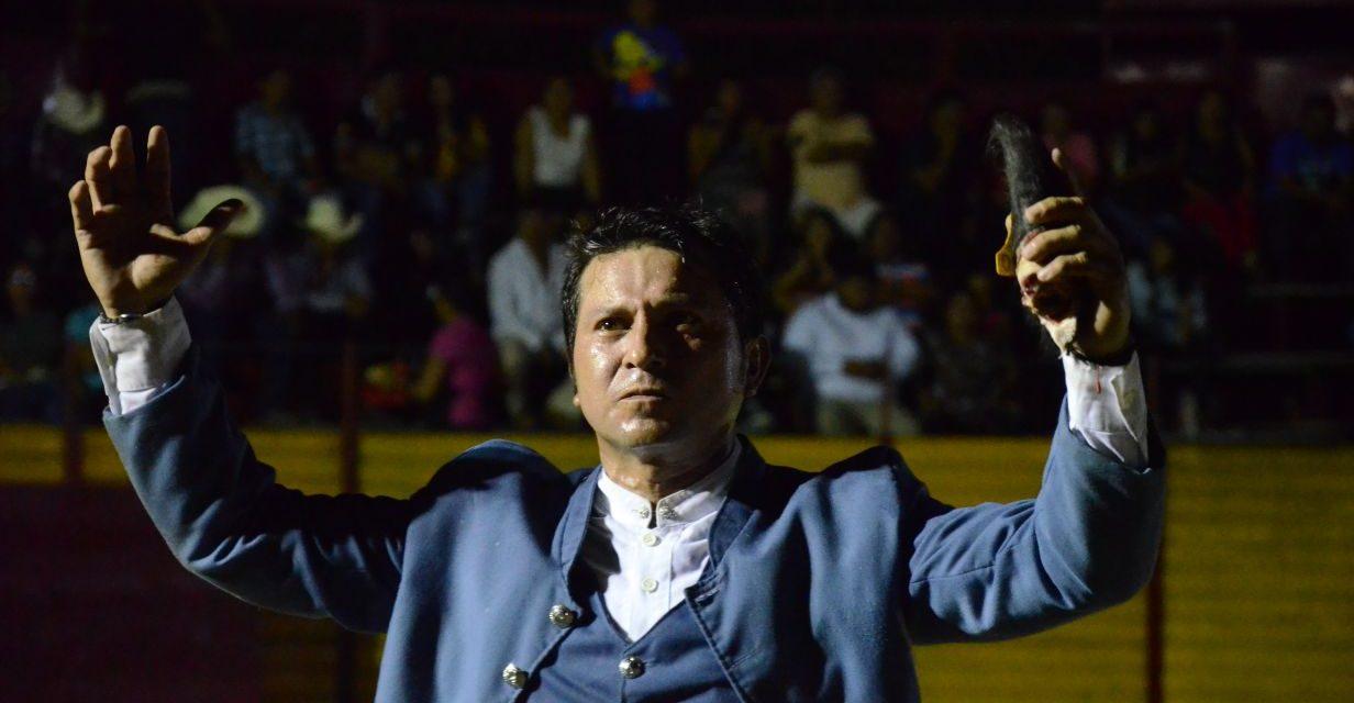 Martínez Vertiz y Ayala cortaron sendas orejas en Bacalar
