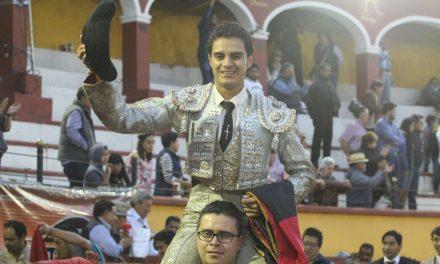 Gerardo Sánchez sale en volandas de «La Ranchero Aguilar»