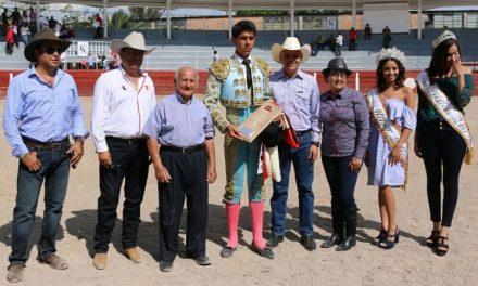 Oreja y trofeo a José María Hermosillo