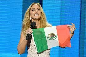 Lucero no quiere ninguna falla en entonar el Himno Nacional