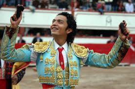 Téllez regresa a Perú