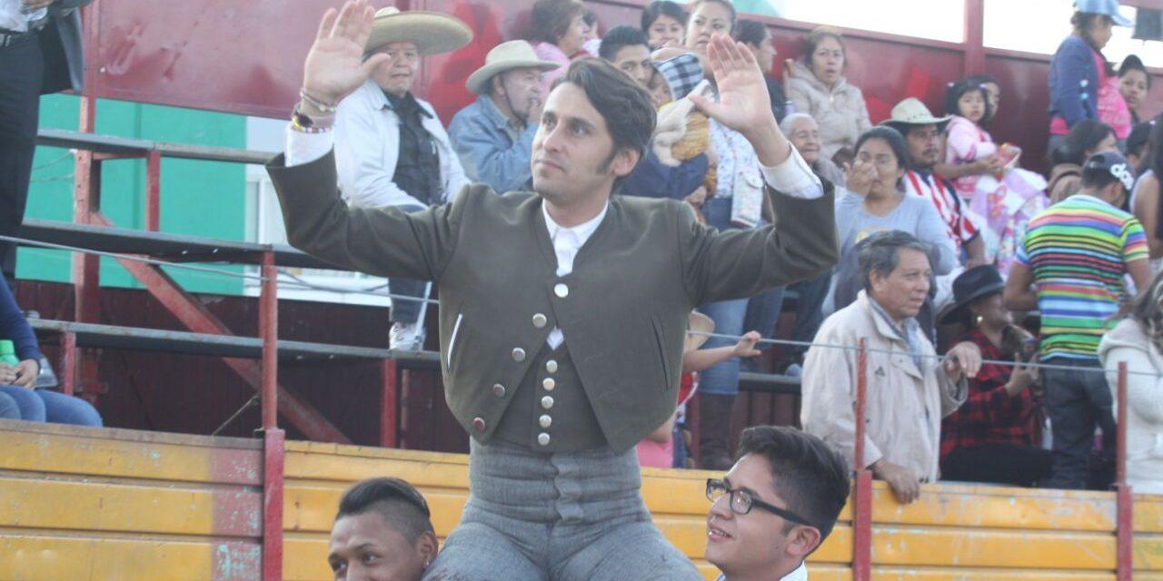 Pepe López triunfa en Nativitas