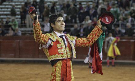 Triunfal debut de Luis David Adame y oreja para Joselito