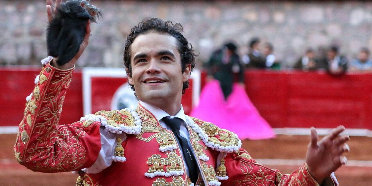 Juan Pablo Sánchez cortó una oreja