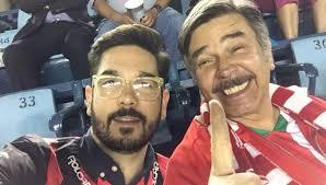 Jorge Ortiz de Pinedo e hijo muestran cariño a México