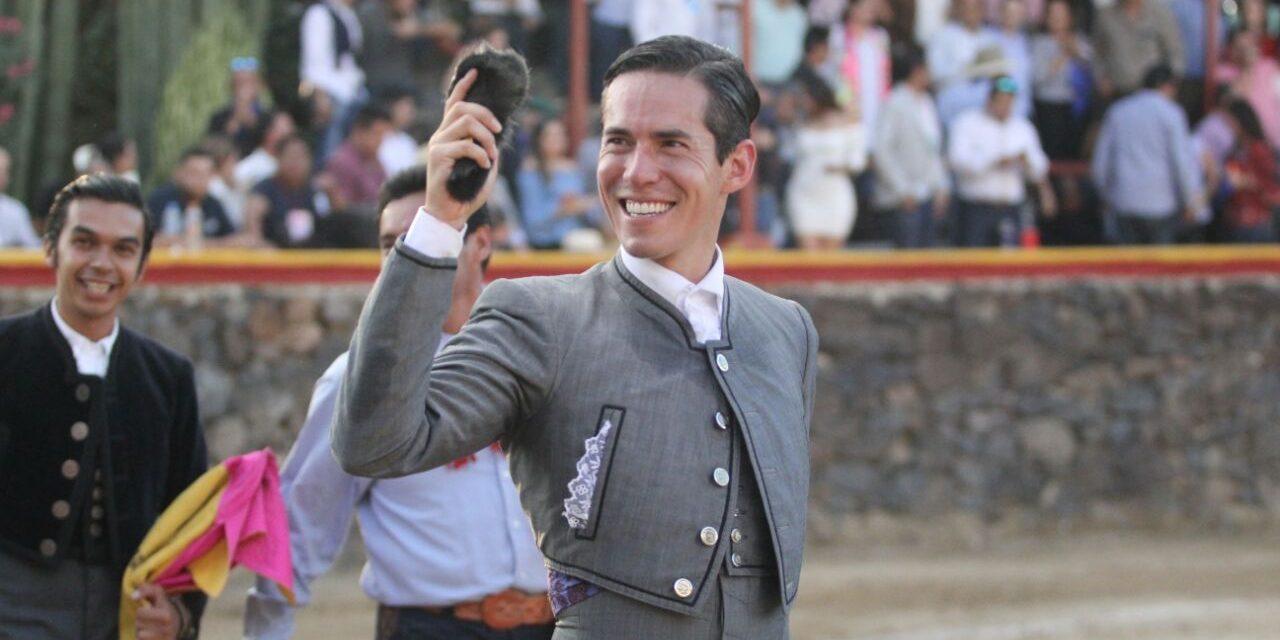 Sanchéz, Silveti y Saldívar cortan oreja en el festival benéfico