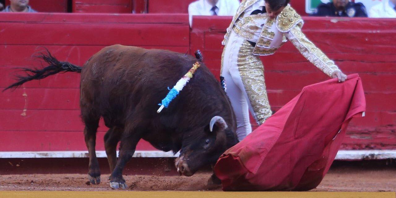 Las fallas con el acero impidieron a Aguilar y Román cortar orejas