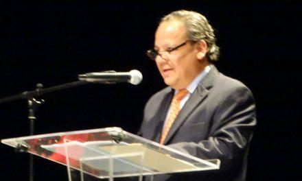 Catañeda dicta pregón en la Feria de Tlaxcala