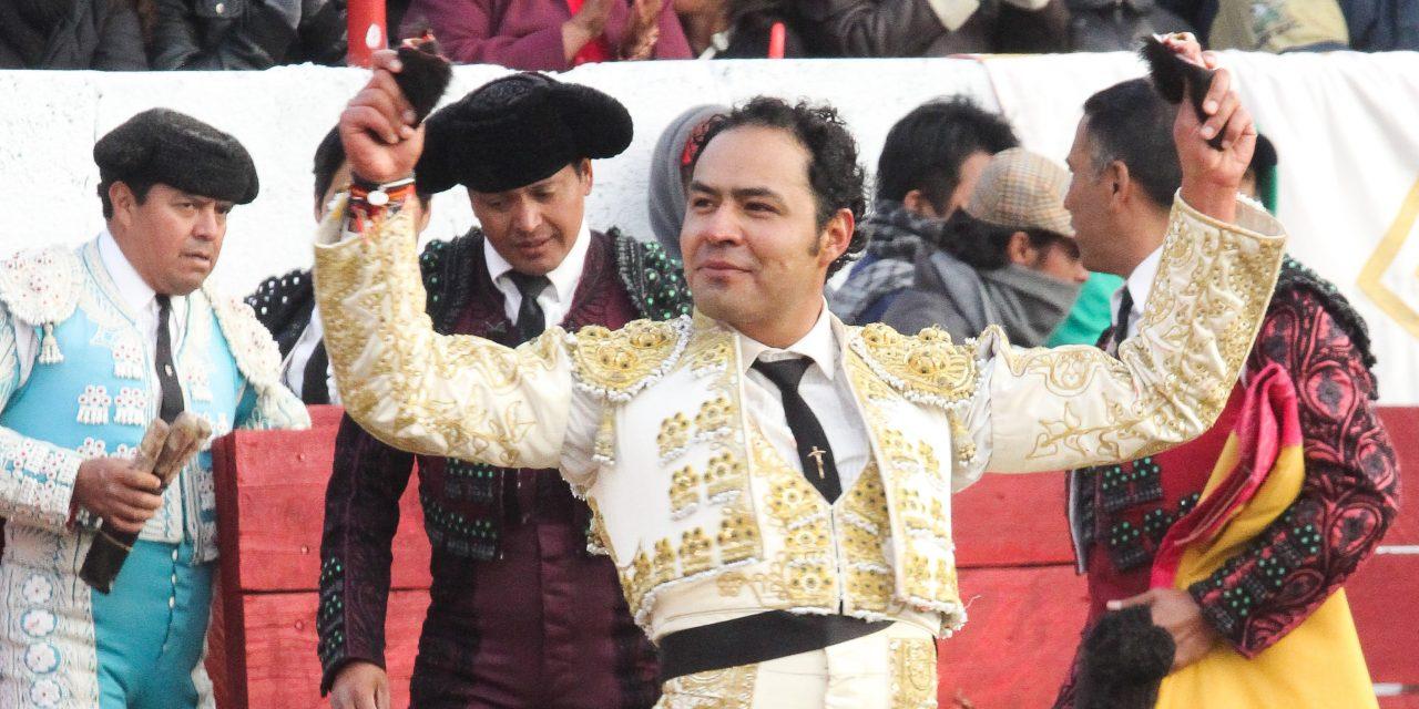 Triunfal tarde de José Luis Angelino en Zapata, Tlaxcala