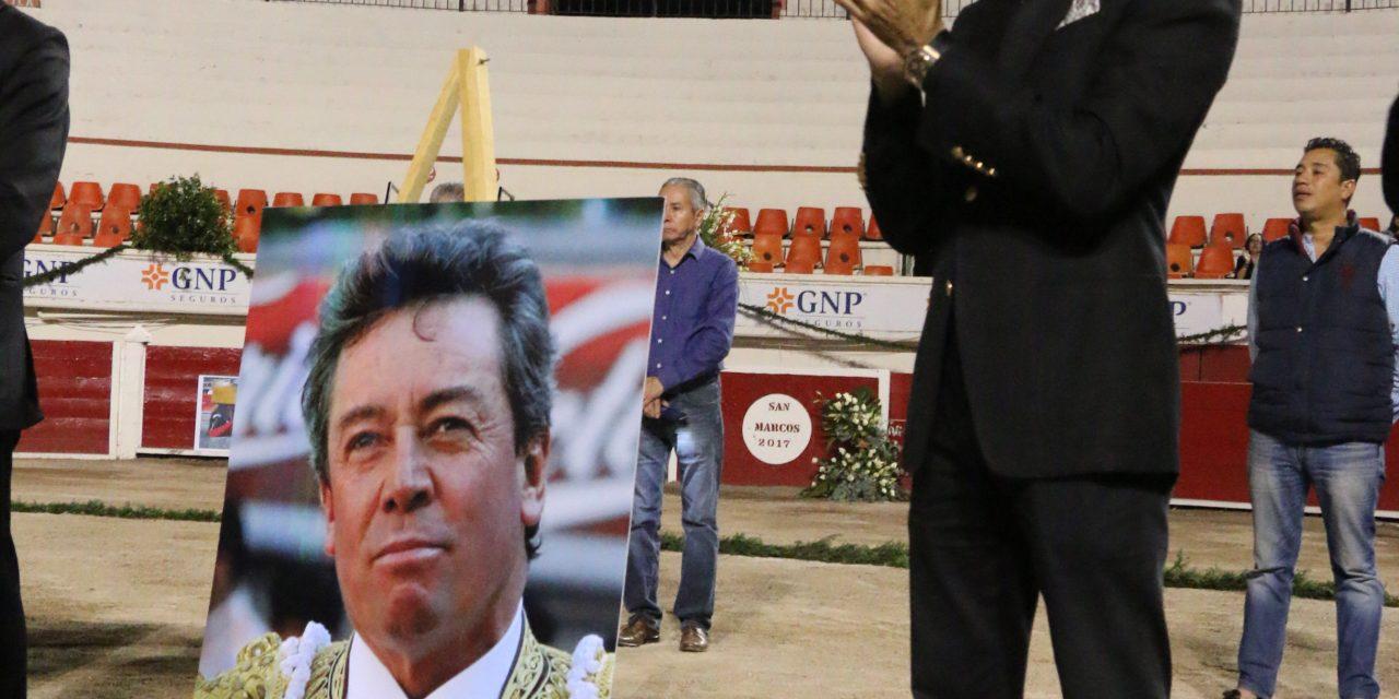 "Emotiva despedida al maestro ""Armillita Chico"""