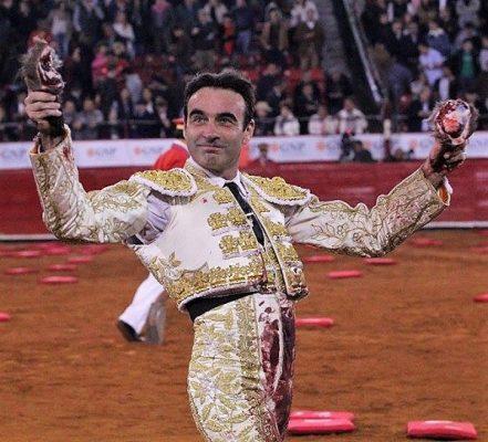 ¡Enrique Ponce merecía el rabo !