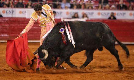 OCHO CON OCHO: !IMPRESENTABLE! POR LUIS RAMÓN CARAZO