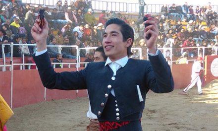 «Armillita IV» cortó dos orejas en el festival de Tenango