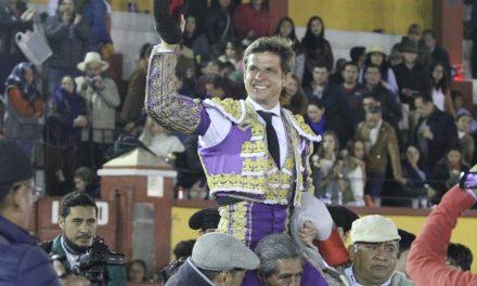 """""""El Juli"""" triunfa en Tlaxcala"""