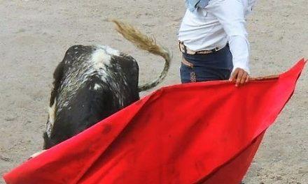 Alejandro López de lleno en el campo bravo