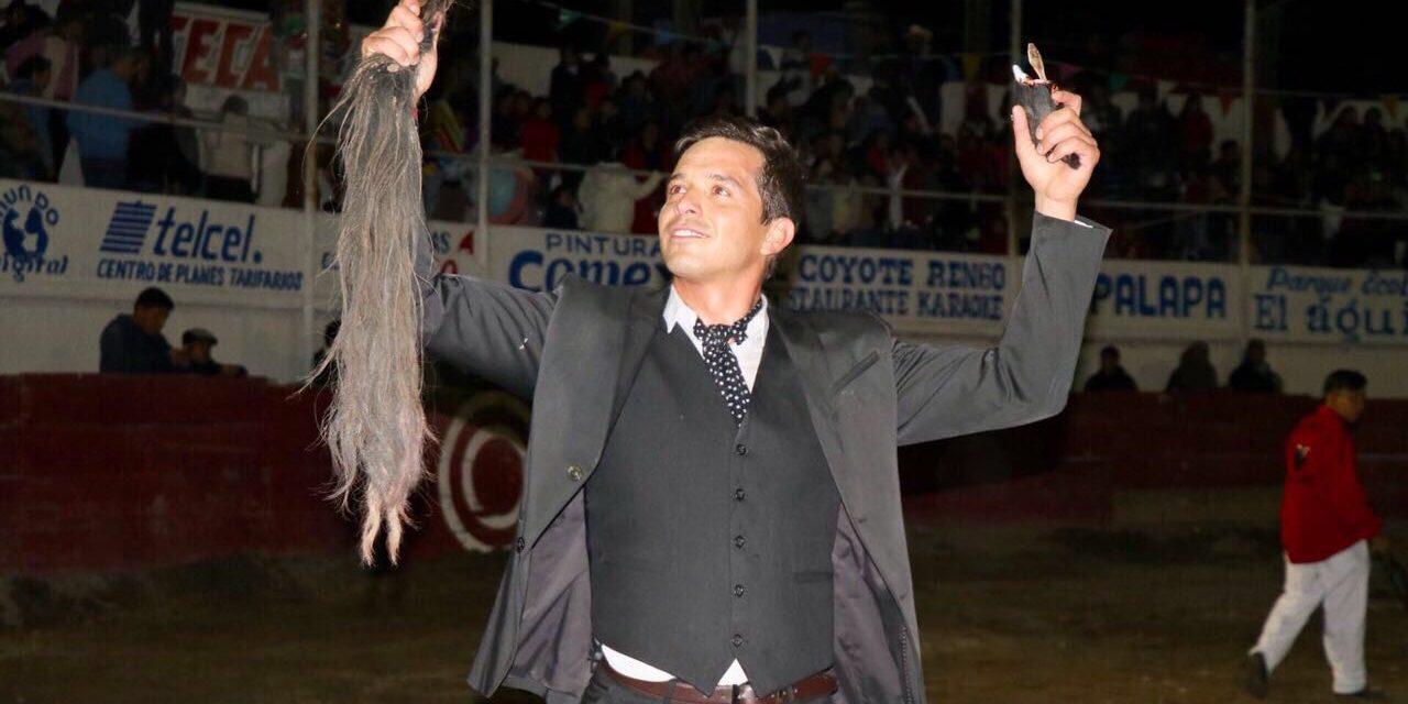 «El Chihuahua» y Samperio triunfan en Tezontepec