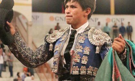 Sale en hombros Roberto Román en el coso sanmarqueño