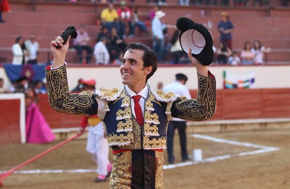 Oreja para José Mauricio en Texcoco
