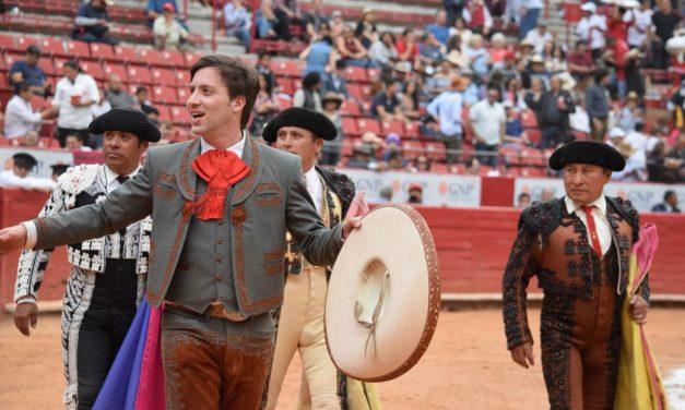Solitaria vuelta al ruedo del rejoneador Joaquín Gallo en la México