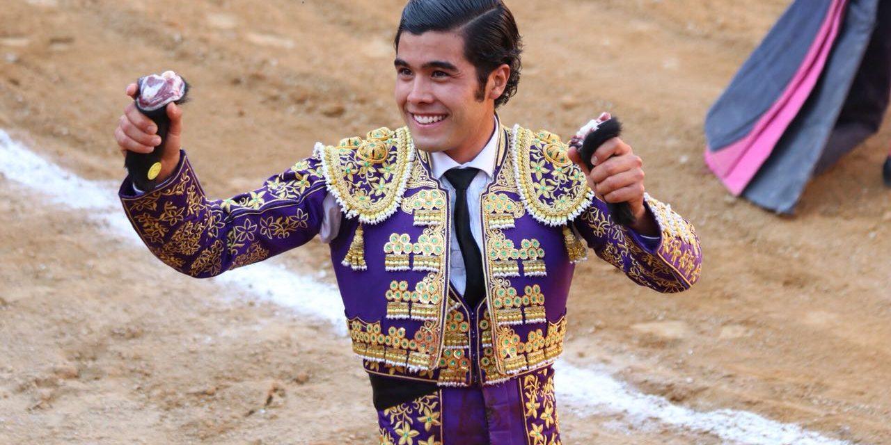 Dos orejas de Diego San Román en Tlaquepaque