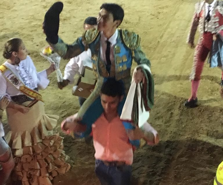 Triunfa el novillero mexicano Isaac Fonseca en Valdelaguna