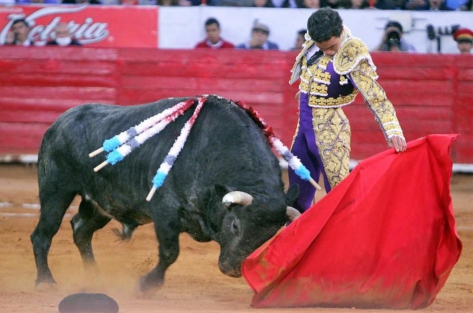 Juan Pablo regresa de España