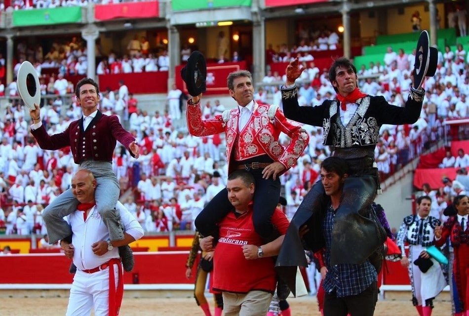 Hermoso, Hernández y Armendáriz salieron a hombros