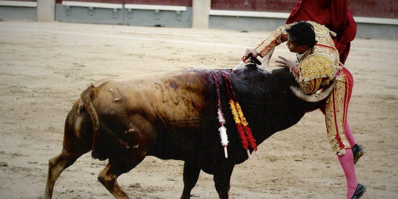 Humberto Flores cumplió 10 años de su confirmación de alternativa