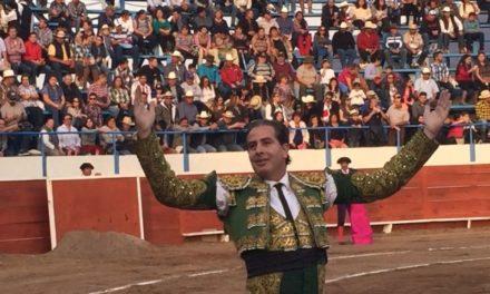 Martínez Vértiz cortó dos orejas en Bacalar