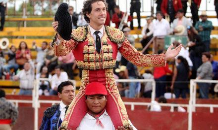 Ocaña Serrano sale a hombros en Miahuatlán