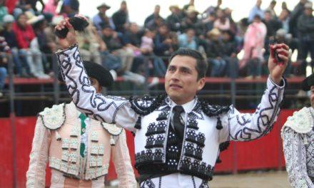 Ulises Sánchez sale a hombros en Terrenate