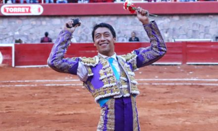 Sergio Flores corta merecida oreja