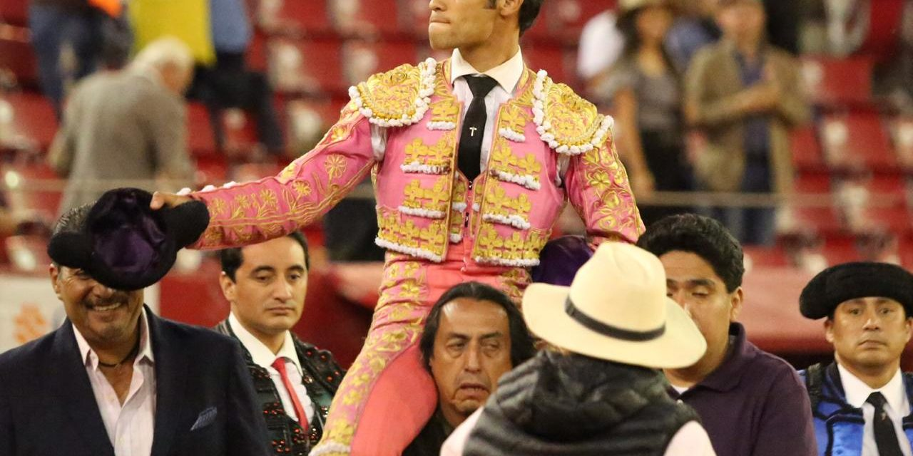 Triunfal tarde de Francisco Martínez en La México