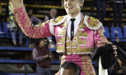 Pizarro cortó dos orejas y salió a hombros en Puebla