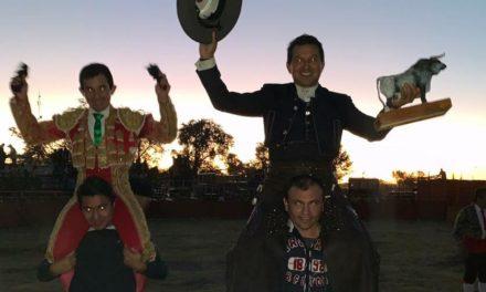Ayala y El Papo salieron a hombros